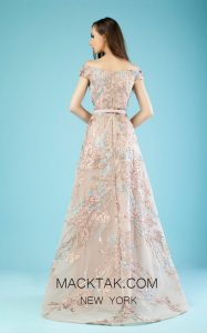 Chic, Luxurious and Majestic is This Lovely Gatti Nolli Gown