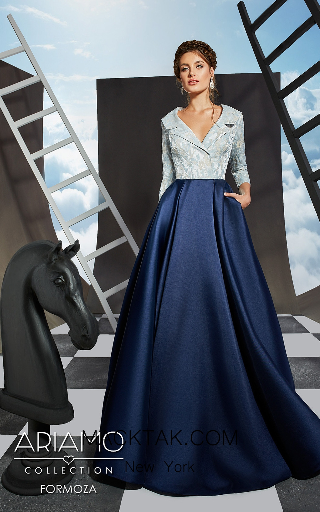 Ariamo Formoza Front Dress