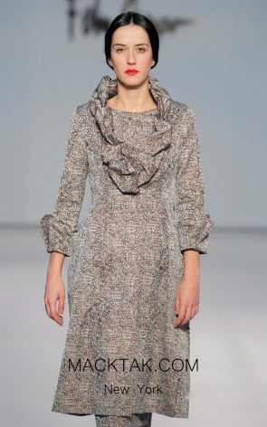 Fely Campo 17122 Front Dress