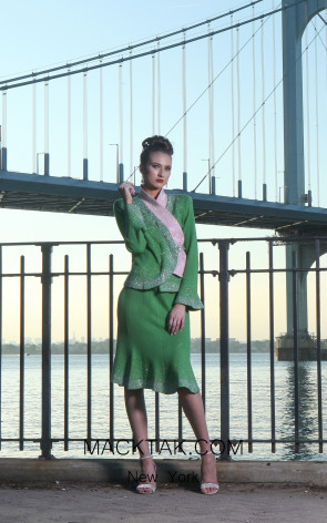 NY H152 Green Front Knit Suit